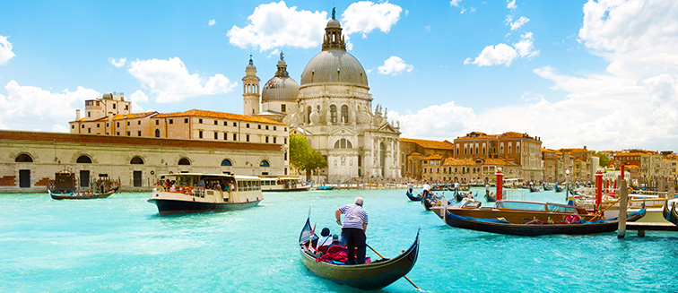 Transport persoane Arad Venetia Italia